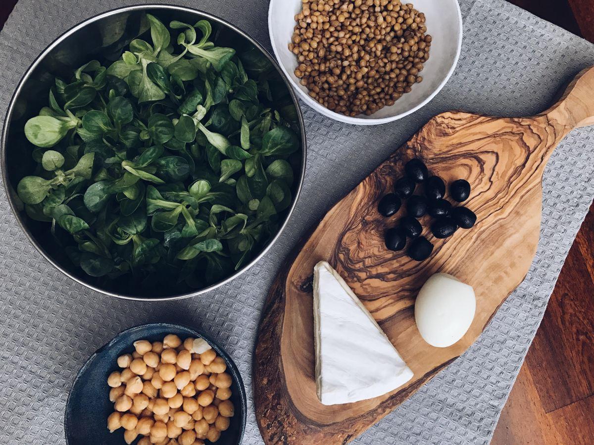 Favorite salad: lettuce, chickpeas,lentils,…